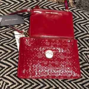 Tommy Hilfiger 2 In 1 Wristlet With Logo